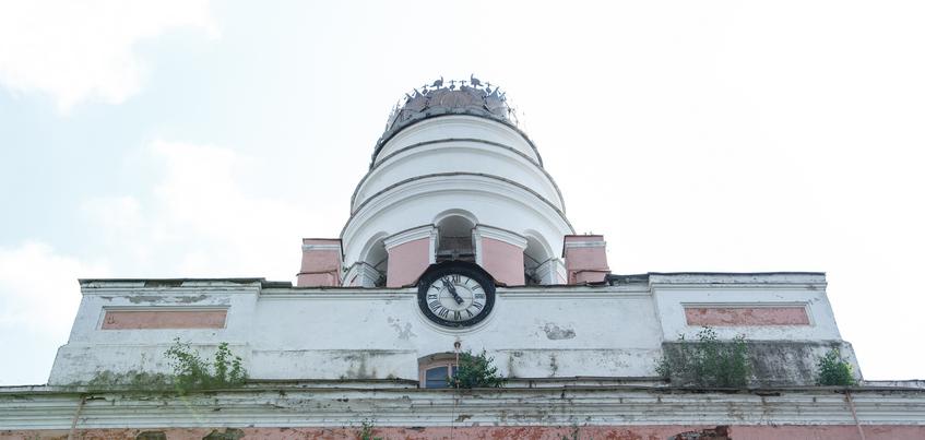 Временный муляж шпиля могут установить на заводской башне в Ижевске