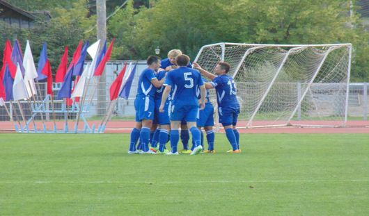 Ижевские футболисты выиграли у тольяттинцев со счетом 2:1