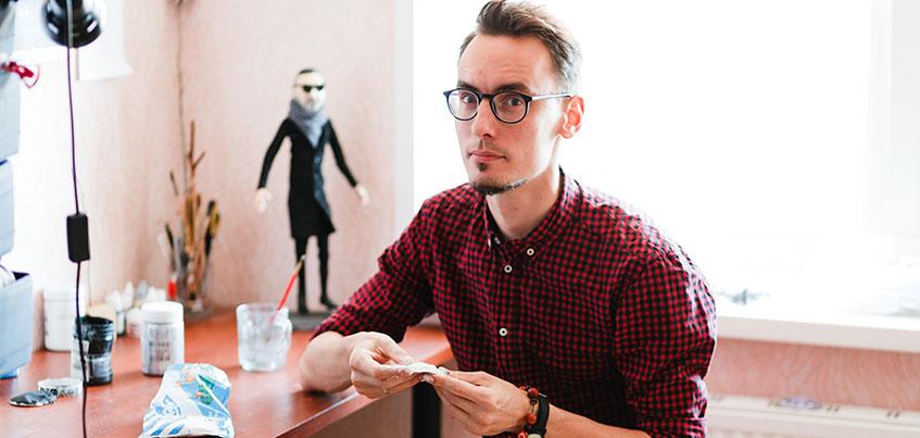 «Создавать кукол так же интересно, как заниматься английским»: преподаватель иностранных языков из Ижевска «слепил» Шнура и Урганта