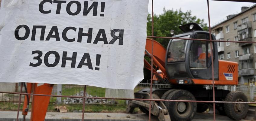 Мужчина упал в коммунальный раскоп при попытке кражи люка в Ижевске
