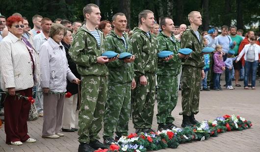 На празднике ВДВ в Ижевске выступили ветераны