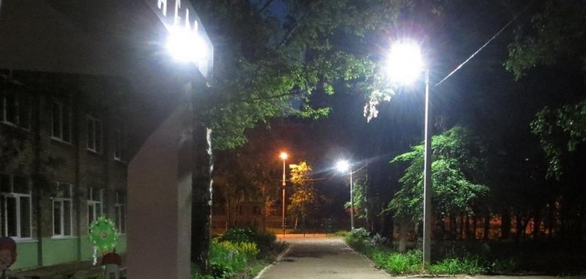 Свет появился во дворах четырех школ Ижевска