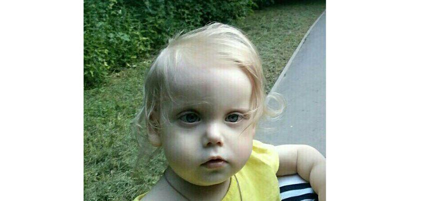 Нужна помощь: двухлетняя Ирина не может ходить и почти не разговаривает