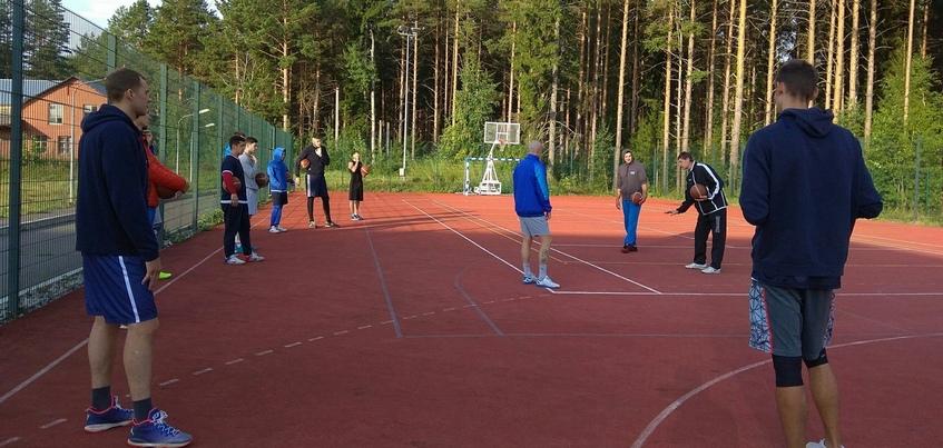 12 баскетболистов ижевских «Родников» приступили к предсезонному сбору