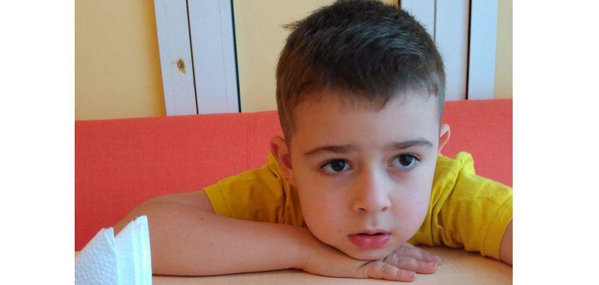 Нужна помощь: 8-летнему Ване нужен курс дельфинотерапии, чтобы лучше говорить