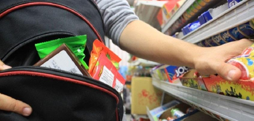 Пьяный подросток в Ижевске пытался украсть шоколад из магазина