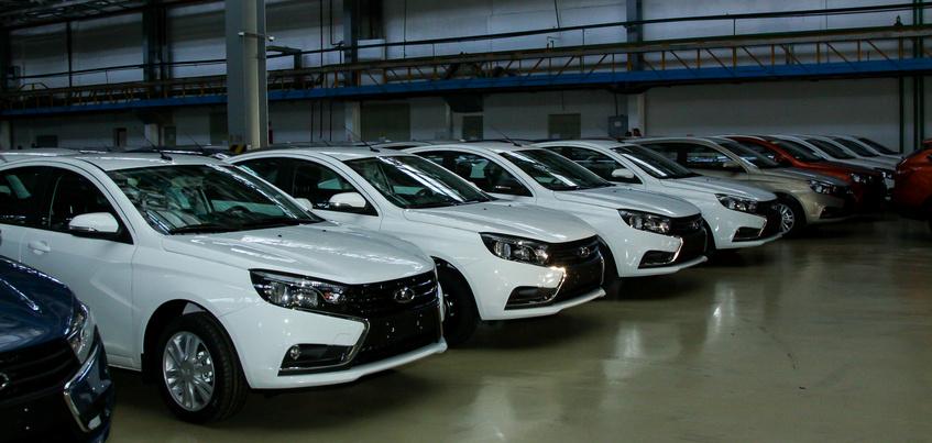Ижевская Lada Vesta стала самым продаваемым отечественным автомобилем