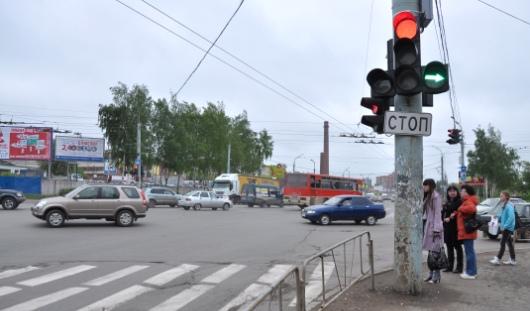 В Ижевске на Удмуртской от перекрестка с Кирова до выезда из немецких домов запретили остановку