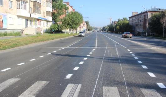 В Ижевске на перекрестке улиц Удмуртской и Лихвинцева продлили разметку полос