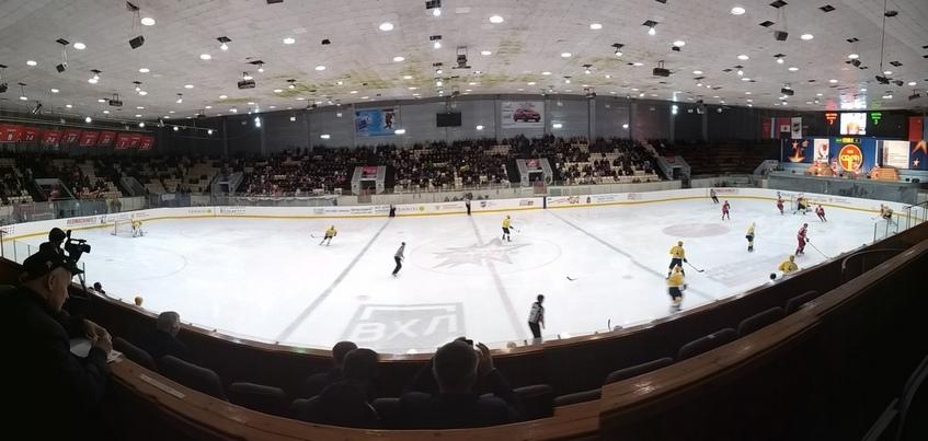 9 шайб и овертайм: хоккеисты «Ижстали» дома уступили «Дизелю»