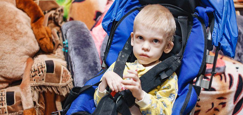 Нужна помощь: 7-летнему Тимофею, которого мучают приступы эпилепсии, нужен гамак для купания