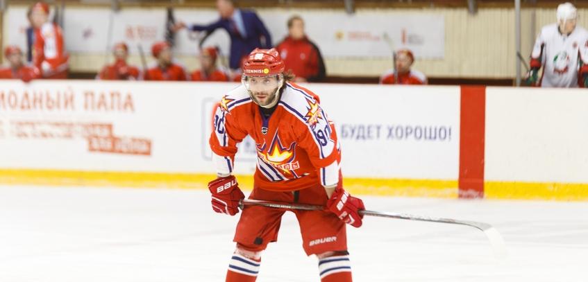 Хоккейная «Ижсталь» провела ротацию нападающих