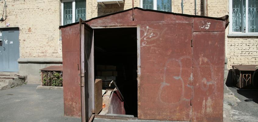 Двух человек в Удмуртии задержали за хищение гаража