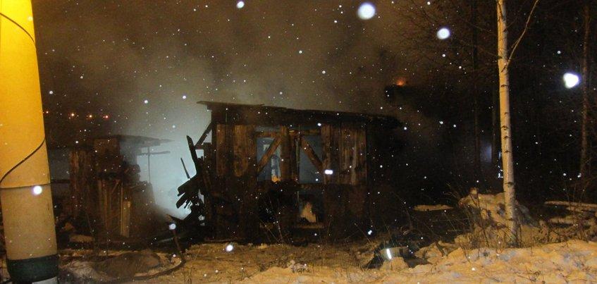 Рабочий погиб в загоревшейся бытовке в Ижевске