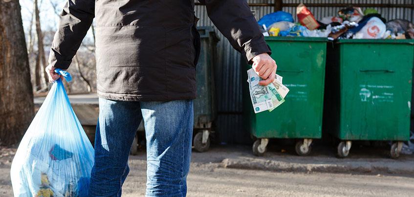 Регоператор считает за людей: кому в Удмуртии будет выгоднее платить за вывоз мусора с человека?