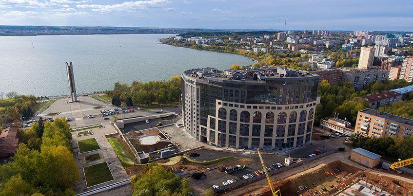 Новоселы принимают свои квартиры в жилом комплексе «Колизей» в Ижевске