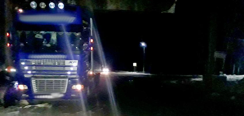 Водитель грузовика насмерть сбил женщину в Удмуртии
