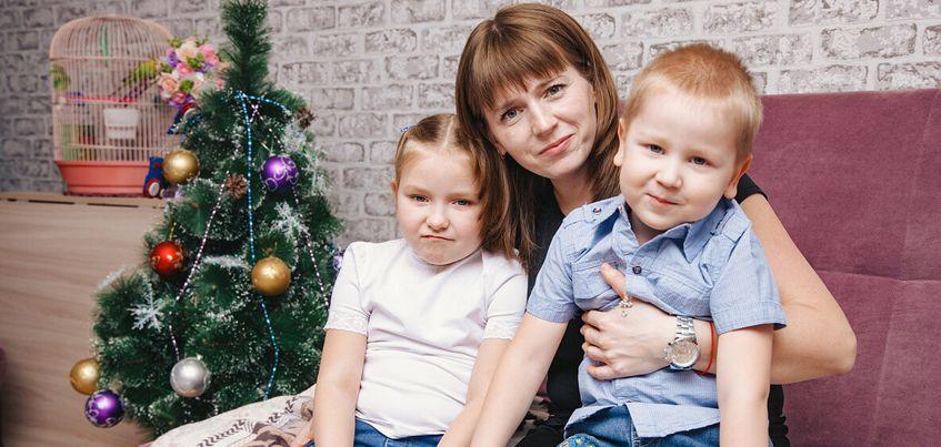 7-летняя ижевчанка Ульяна получила сертификат на операцию от Российского Деда Мороза
