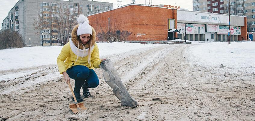 Осторожно, реагенты: чем посыпают дороги Ижевска зимой?