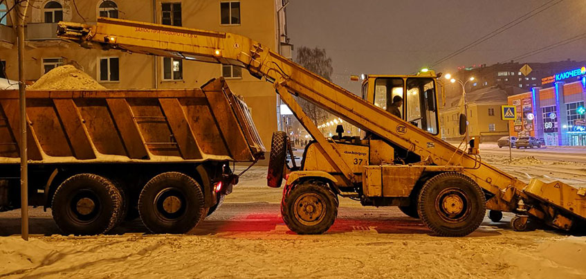 Как и где убирают снег в Ижевске после обильного снегопада?