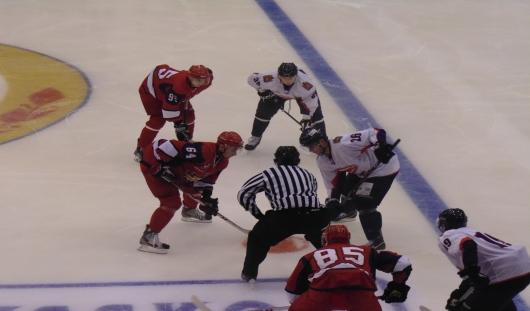 Ижевские хоккеисты выиграли в первом матче турнира им. Тарасова
