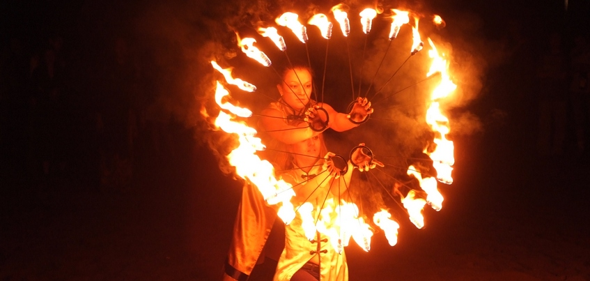 Огненное шоу и театральный фестиваль: куда сходить ижевчанам 3 января?