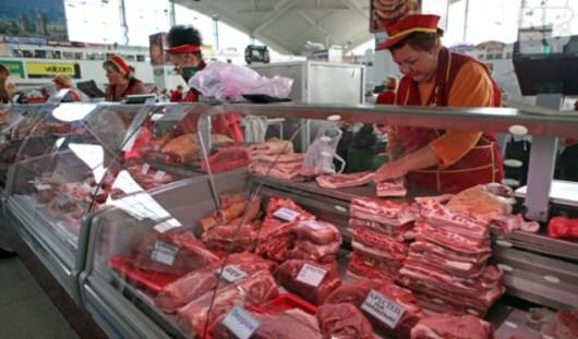 Россия снимает запрет на поставки мяса из Бразилии