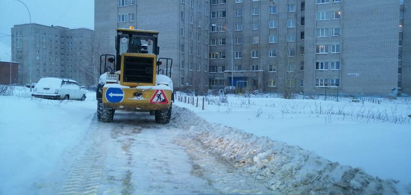 79 единиц техники очищают улицы Ижевска от снега