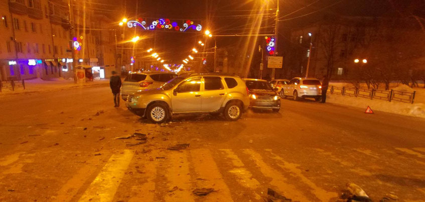 Два ребенка пострадали в ДТП у Центральной площади Ижевска
