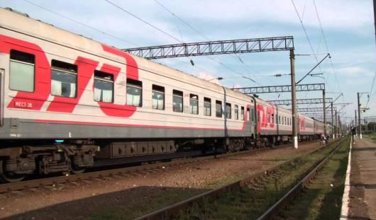 Поезд № 498 Адлер - Ижевск задерживается на 1 час 36 минут