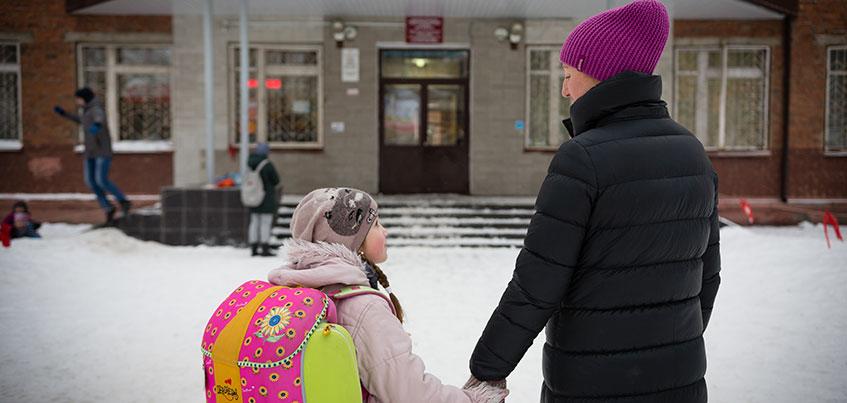 Ночь в очереди и 11 тысяч рублей за прописку: в Ижевске стартовал прием заявлений в первый класс