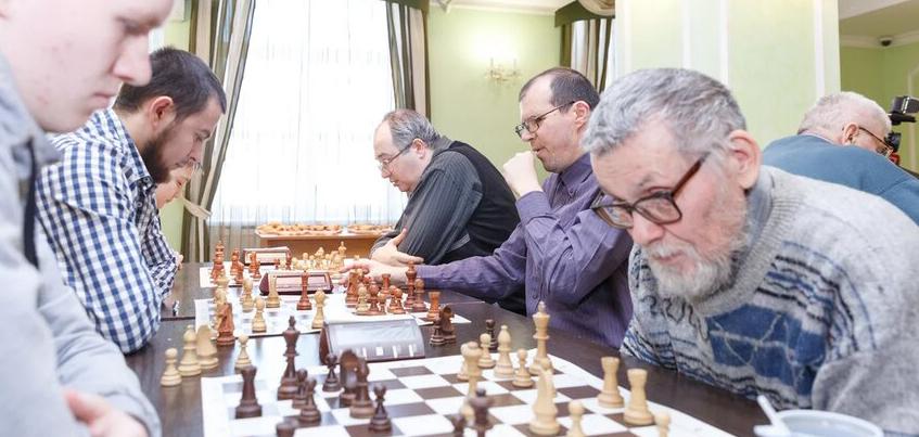 42 команды сыграют в Ижевске на межнациональном шахматном турнире, посвященном памяти Владимира Завалина