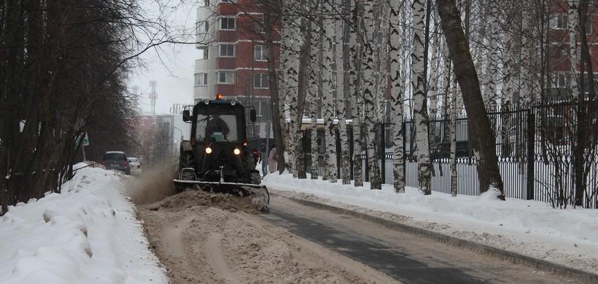 Жителей Ижевска просят не парковаться на улице Сакко и Ванцетти