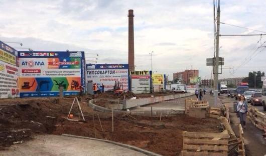 В Ижевске раскопали выезд через тротуар вдоль Удмуртской
