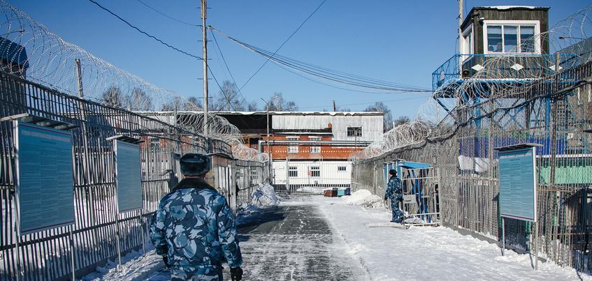 Экс-сотрудника колонии в Удмуртии осудят за хищение 4 млн рублей