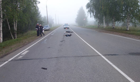 Ижевский таксист проехал по двум лежащим на дороге мужчинам: незадолго до трагедии они отдыхали в кафе