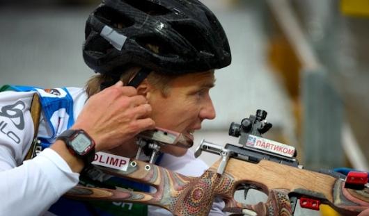 В эстафете на чемпионате мира по летнему биатлону участвовал ижевчанин Иван Черезов
