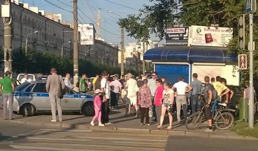 Продавец ижевского киоска, в который влетела «Ауди»: «От гибели меня спасла покупательница»