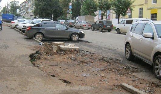 Тротуар на перекрестке улиц Советской и Коммунаров в Ижевске отремонтируют в течение недели