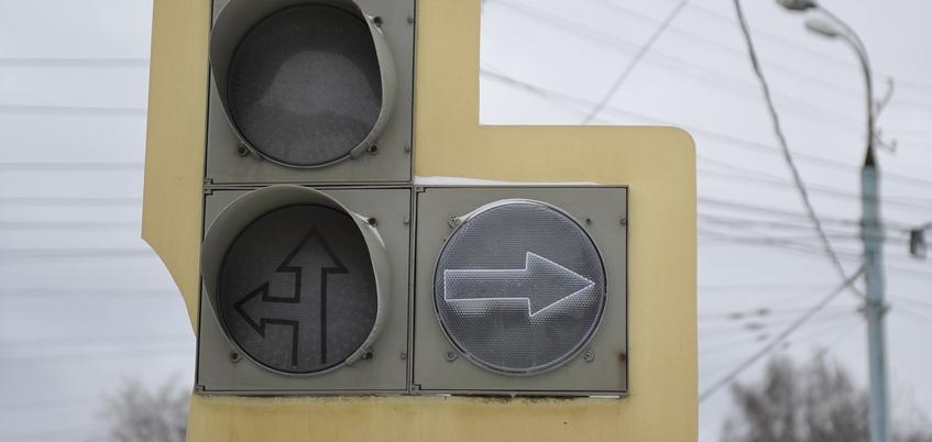 Отключенные светофоры и вставшие трамваи: как Ижевск переживает дождливое утро