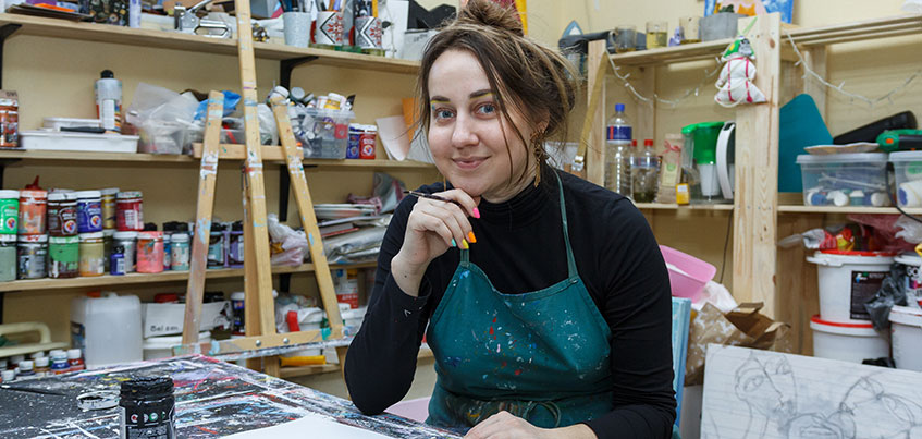 Ижевские дизайнеры: платья с «глазами» и одежда в стиле наивный арт
