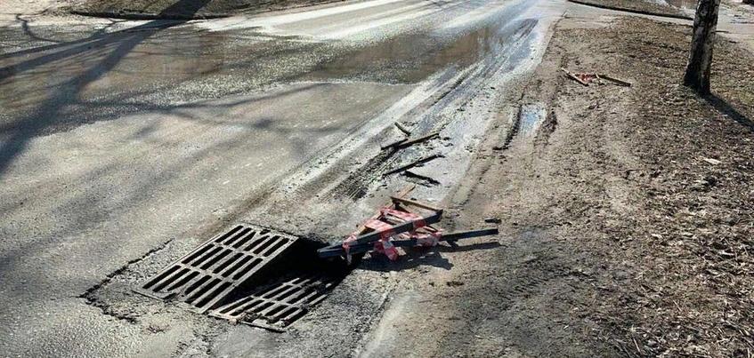 Провал произошел на улице Коммунаров в Ижевске