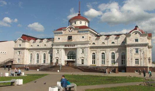 На железнодорожном вокзале Ижевска встречать и провожать пассажиров будут под музыку Чайковского