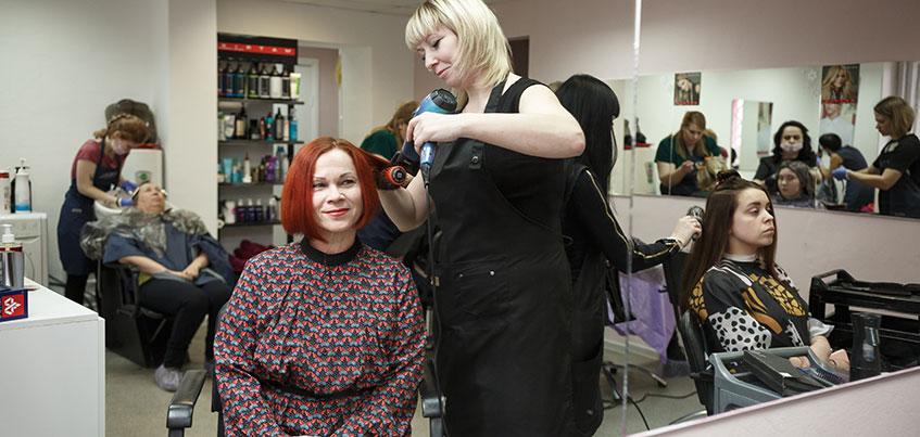 Смелые решения с «ЯСНО!»: яркие прядки и огненно-рыжий цвет волос