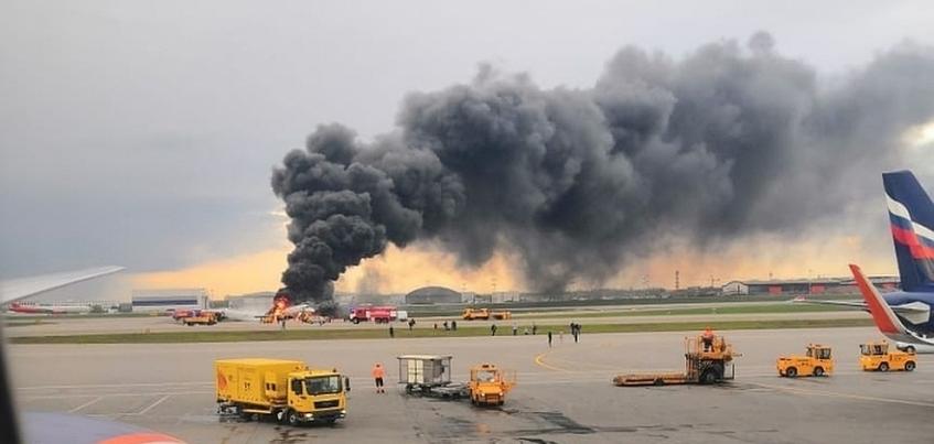Глава Удмуртии выразил соболезнования семьям погибших в авиакатастрофе в Шереметьево