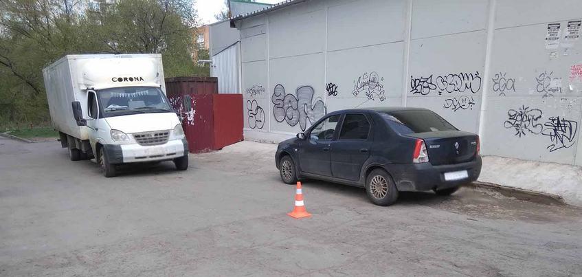 Видео: водитель «Газели» сбил 91-летнюю женщину в Ижевске