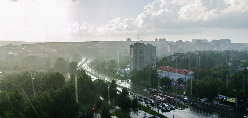 Погода в Ижевске: дожди, грозы и похолодание до +8°С