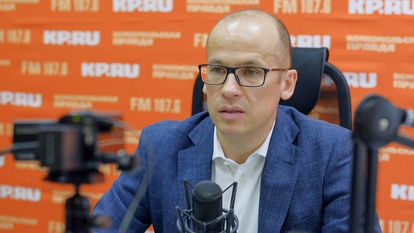 Реклама шуб и подъем с пятой точки: 9 цитат Александра Бречалова об Ижевске в эфире «Утра с главой»