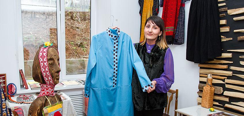 Ижевские дизайнеры: как Дарали Лели возрождает удмуртскую культуру с помощью платьев