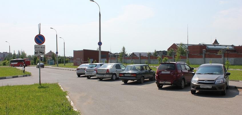 Ночную парковку запретили около зоопарка в Ижевске